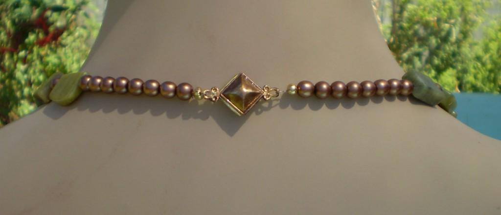 Gold single strand back clasp