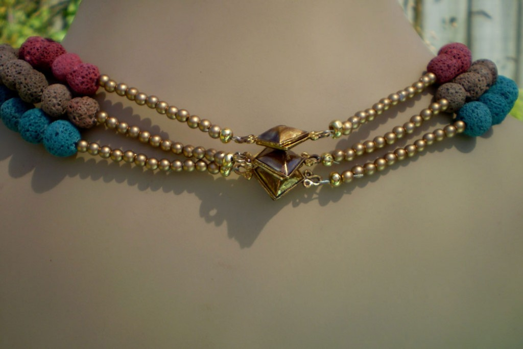 3 strand clasps in back-1